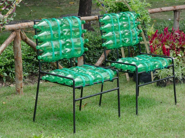 upcycling bouteille en chaise